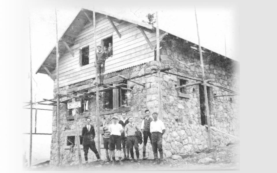 l'équipe de bâtisseurs